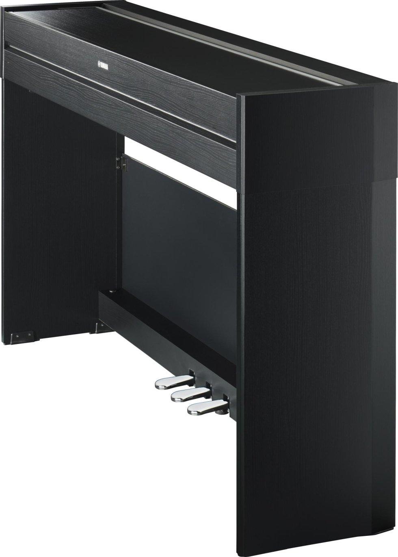 YDPS52  Ricco di stile e compatto, il piano digitale YDP-S52 offre performance pianistiche autentiche con un design elegante e ricco di stile, disponibile con finiture in legno nero e bianco perfette per arredare qualsiasi locale.€ 949,00