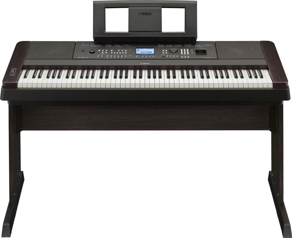 YAMAHA  DGX-650 offre la suonabilità di un vero pianoforte acustico con una completa suite di funzioni di accompagnamento automatico e prestazioni che consentono di dare forma con facilità al tuo pensiero musicale.€ 729,00
