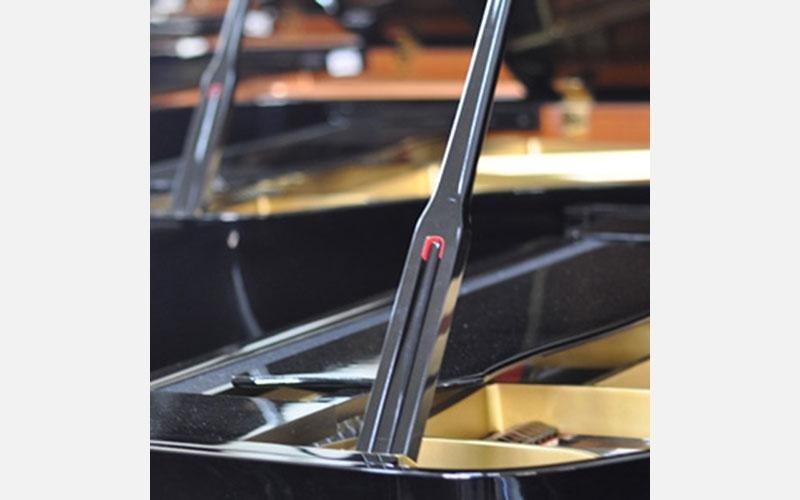 Particolare su serie di pianoforti Yamaha a coda nuovi mod. GB1K, C2M, C3X, C6X, C5M,C5X,CFX4