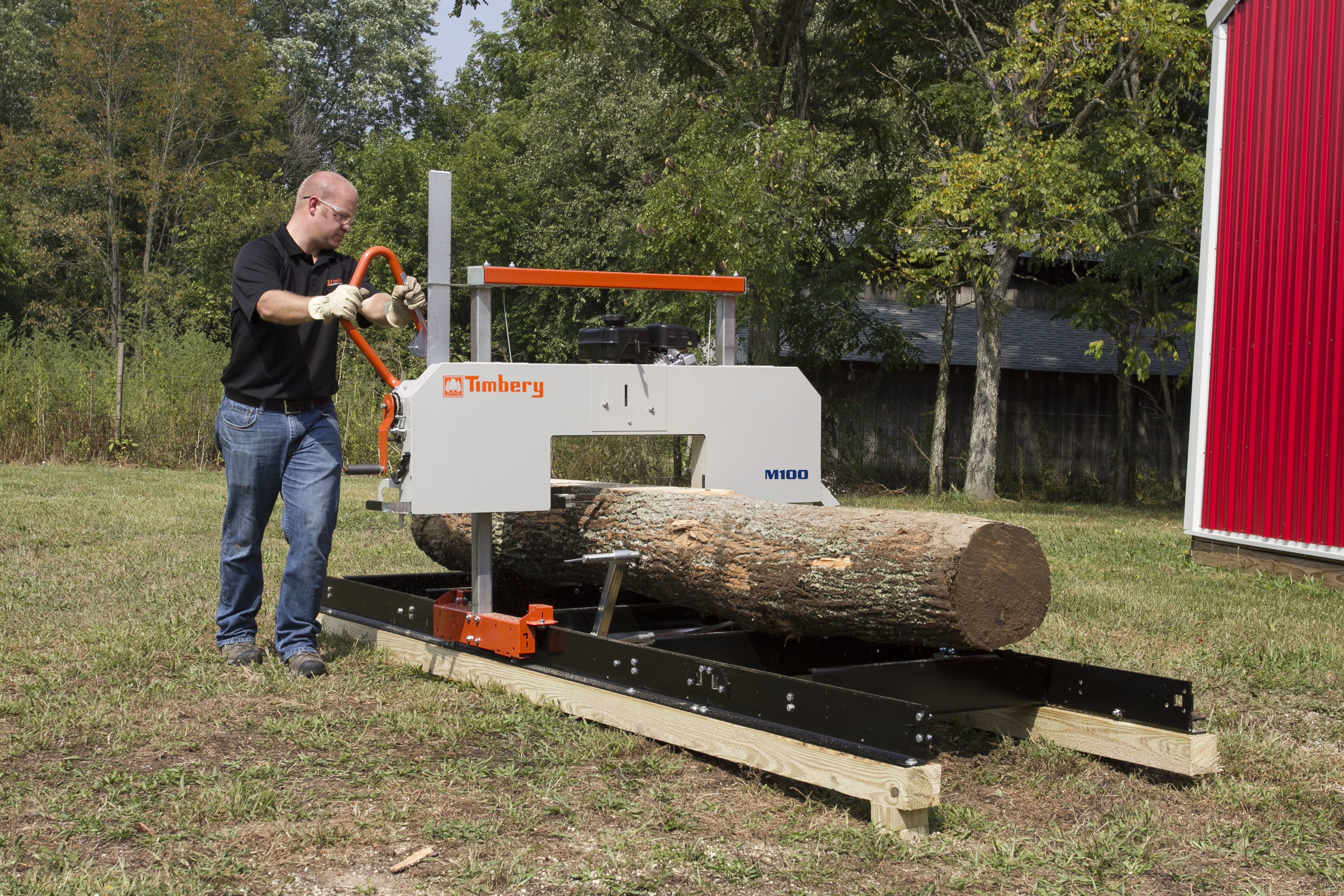 M100 Portable Sawmill with Log