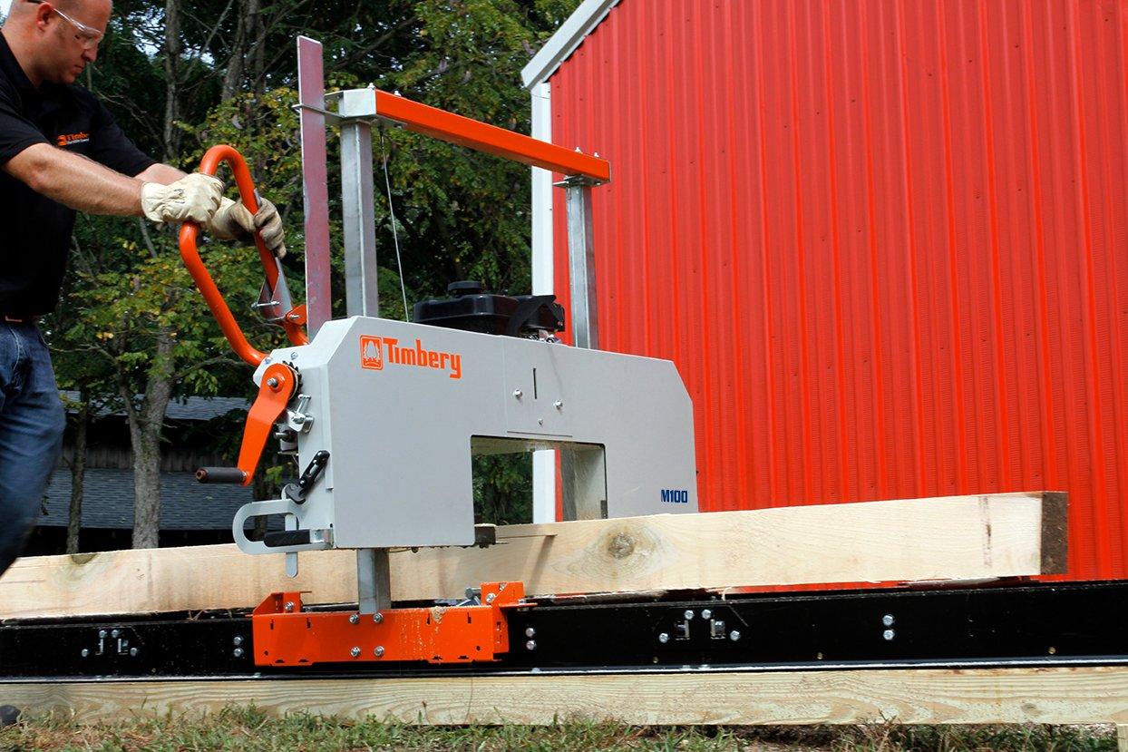 M100 Portable Sawmill Cutting