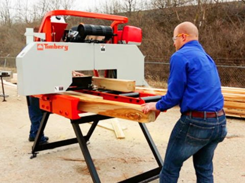 Sawing with the R200 Resaw