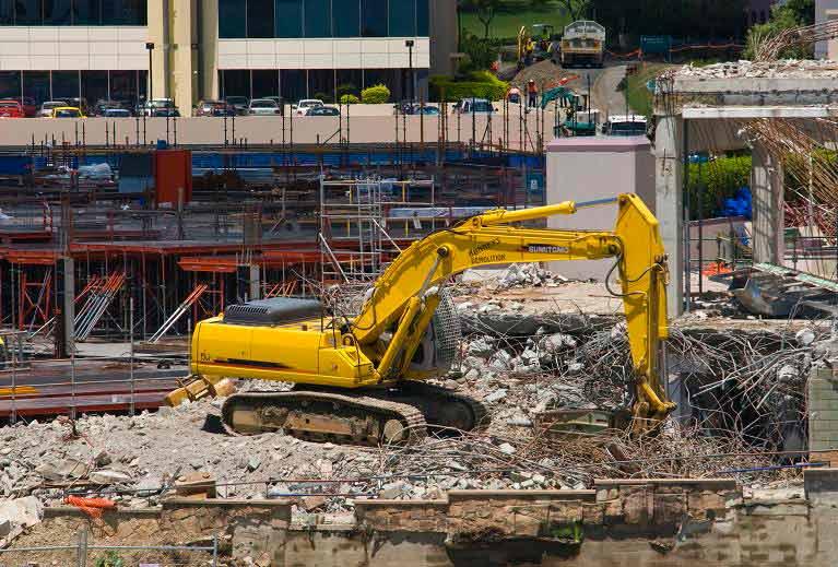 northside demolitions digger evacuating