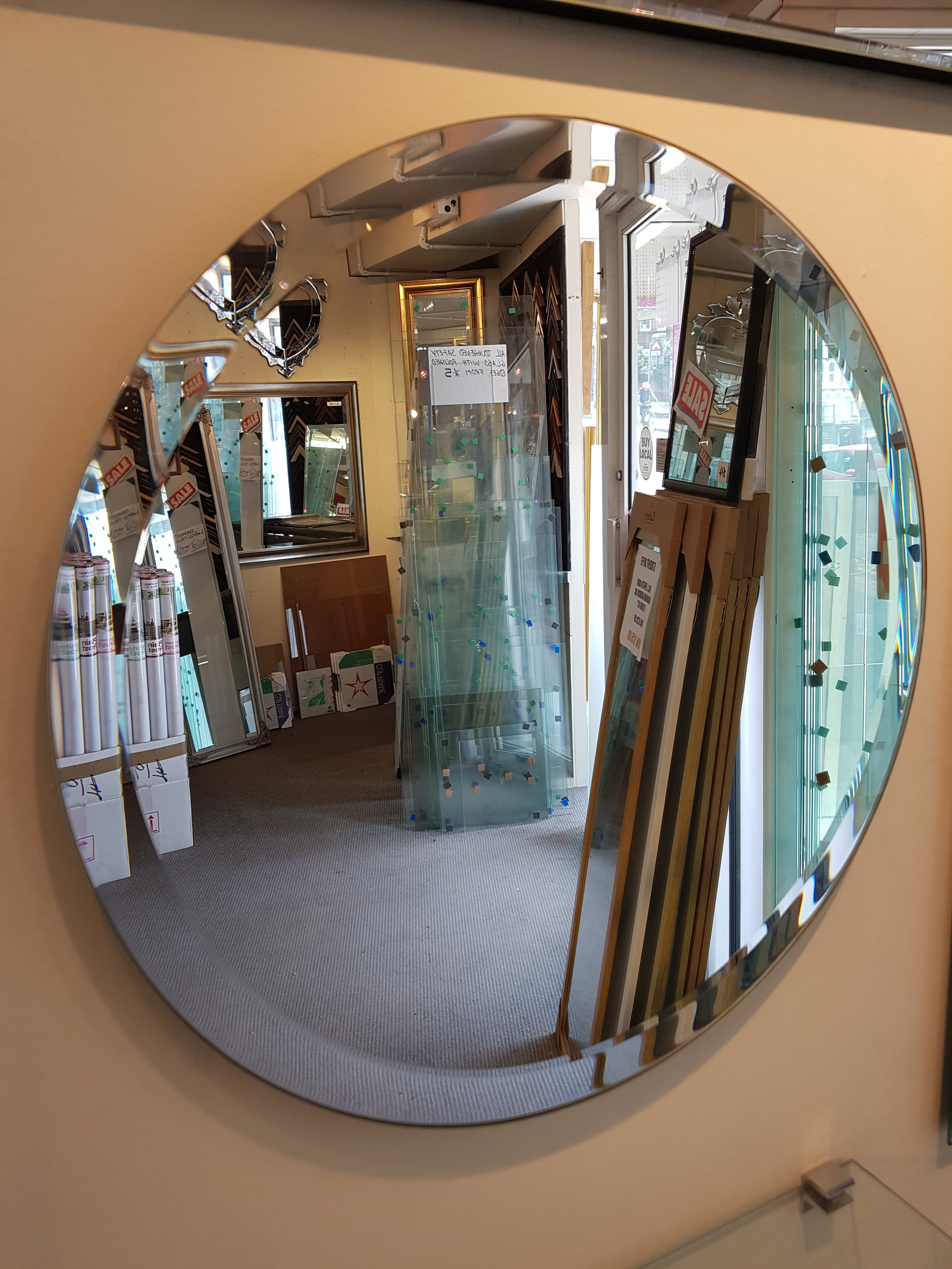 Berkshire - round mirror - Glass Reading Ltd