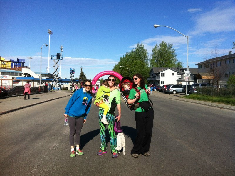 Women volunteers participating in the race organised for women in  Anchorage, AK