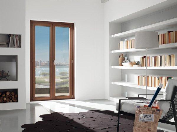 porta a vetri in soggiorno