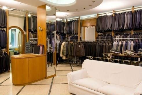 Interno del negozio, abbigliamento da uomo, Iezzi sartoria