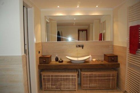 Piano lavabo in finto legno
