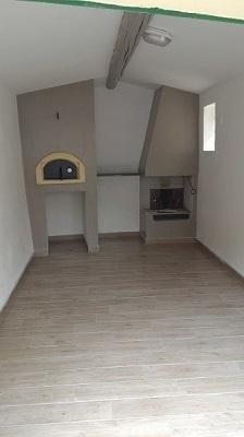 Installazione di forno e caminetto prefabbricato
