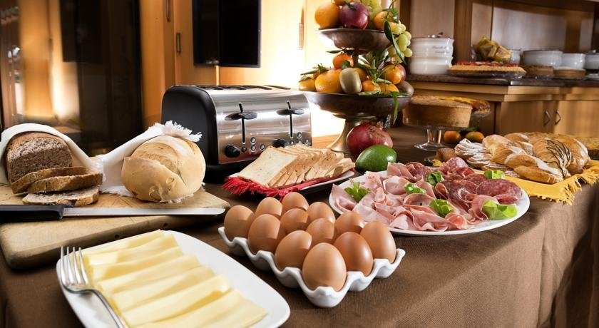toast, eggs and coldcuts