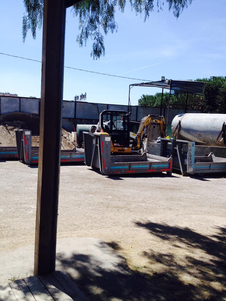 attrezzature ed impianti parcheggiati