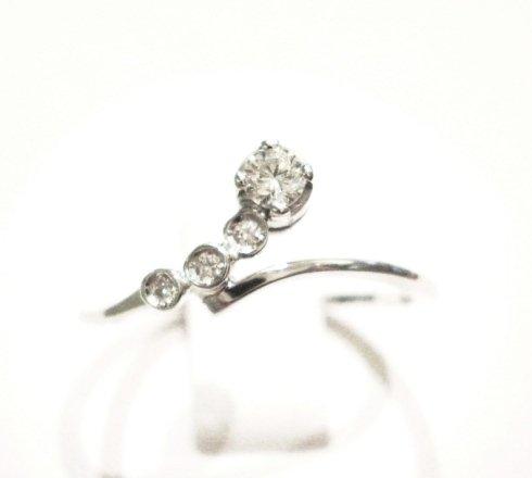 Cattelan - anello solitario con diamanti in oro bianco 750 - collezione les petits 12