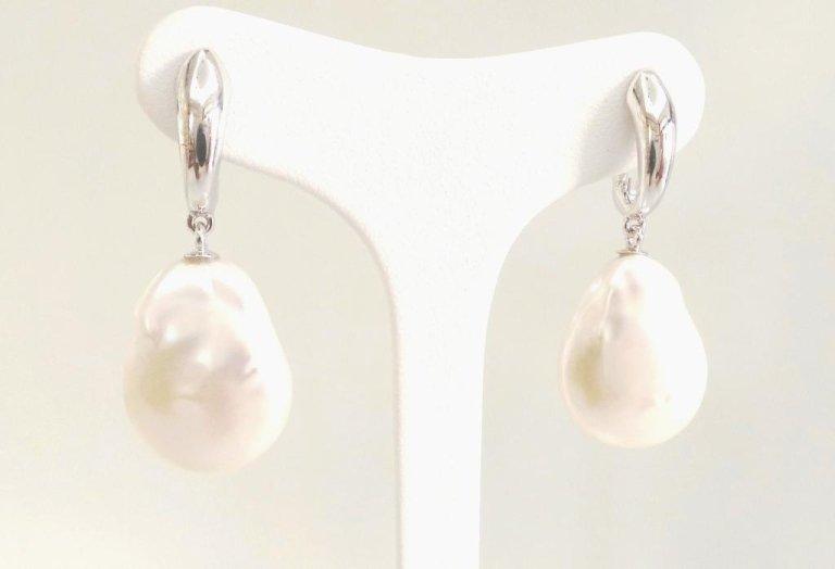 orecchini perle barocche e oro bianco750