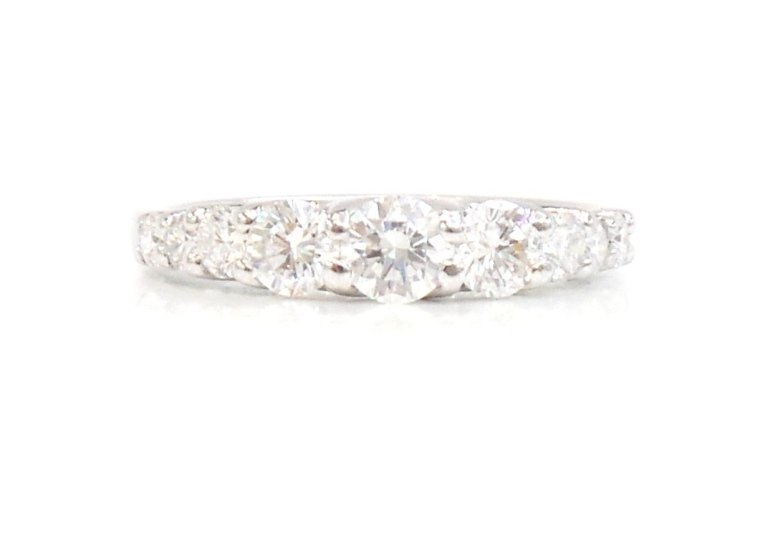 Fedina Oro Bianco 750 con Diamanti Mod. Gradazione