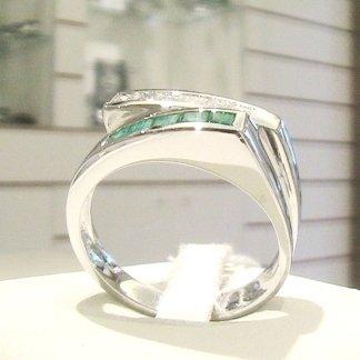 Aanello in oro bianco 750 con diamanti e smeraldi naturali - modello rde27