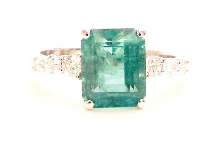 Cattelan - anello in oro bianco 750 con diamanti e smeraldo