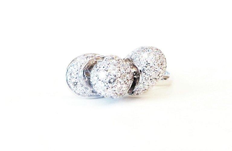 Cattelan - ring in white gold 750 with diamonds - petalo model