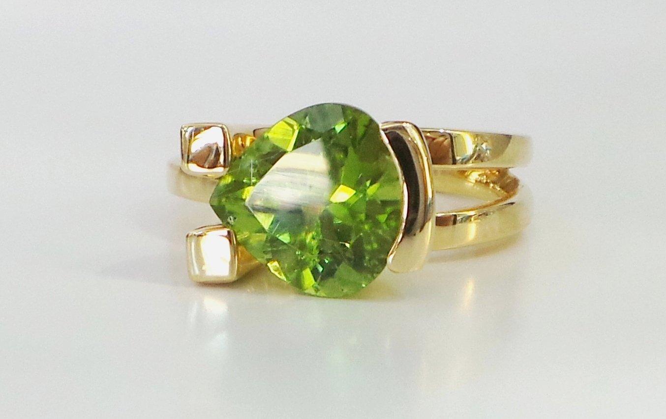 Cattelan - anello in oro 750 con peridoto naturale