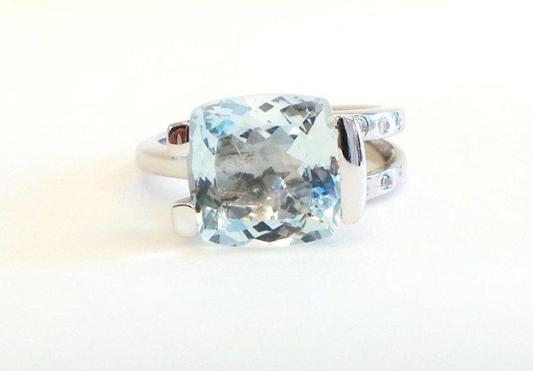 Cattelan Gioielli - anello con acquamarina e diamanti - modello AD 208