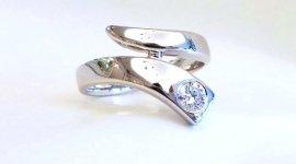 anello con diamante; anello oro e diamante; solitario con diamante