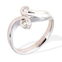 anello con diamanti;anelli in oro bianco; anelli contrariè; anelli fatti a mano