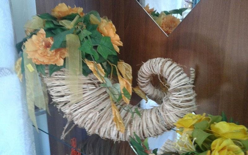 Cornocopia con fiore