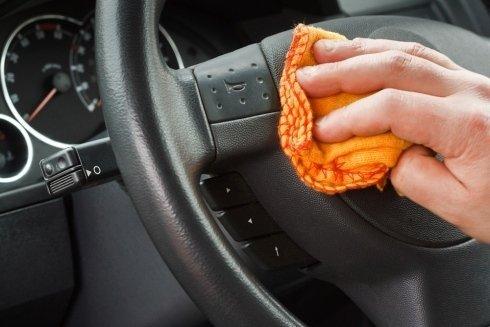 pulizia degli interni di auto