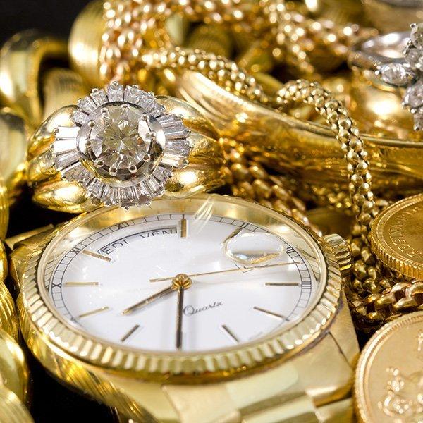 Orologio con i gioielli in oro a Arezzo