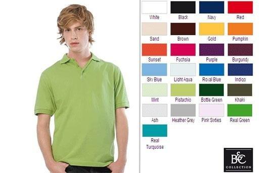 un ragazzo con una maglia verde e di fianco diversi colori
