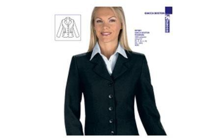 donna vestita con abito profssionale scuro