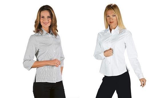 due donne in camicia bianca e pantalone nero