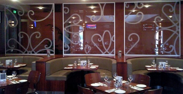 frosted glass design in restaurant