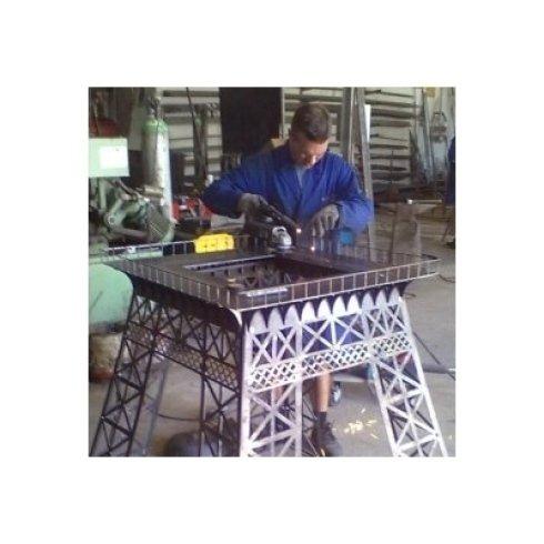 Riproduzione in scala della Torre Eiffel | Fasi di lavorazione