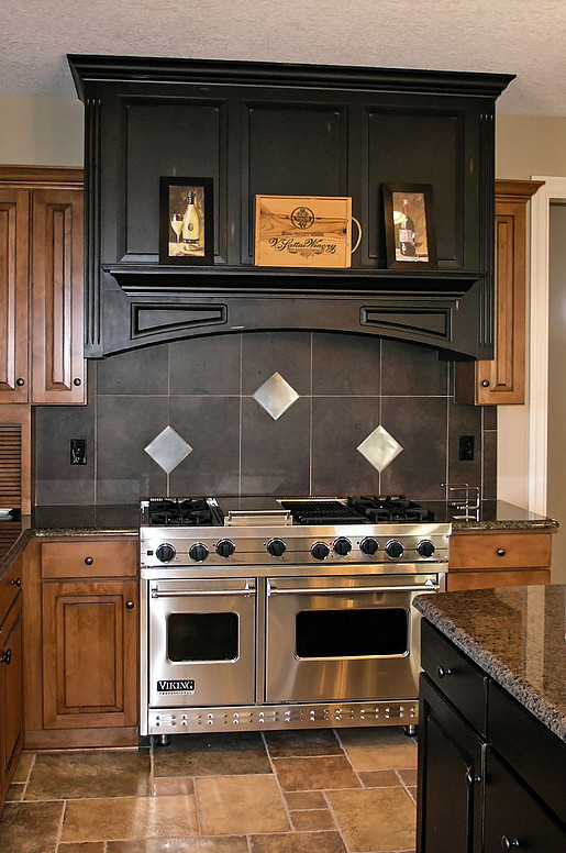 KBD of Iowa City Kitchen Cabinets Gallery Image #21