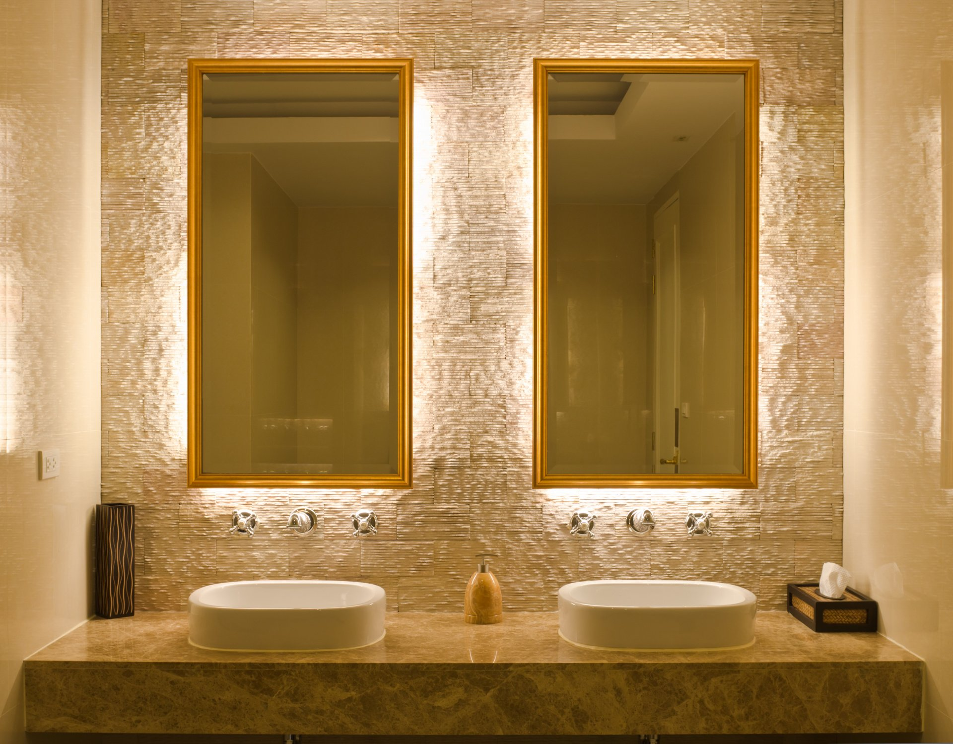 Terrific Lighted Bathroom Mirrors Are They Worth The Cost Download Free Architecture Designs Scobabritishbridgeorg