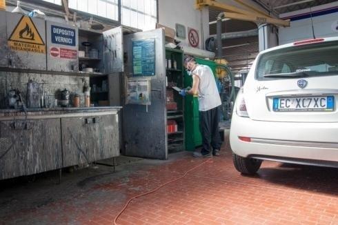 lavorazione automobili