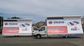 camion con vela ad uso pubblicitario