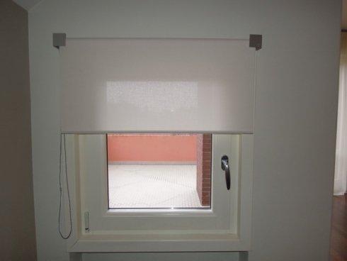 Le tende a rullo realizzate dal laboratorio sono funzionali e innovative.