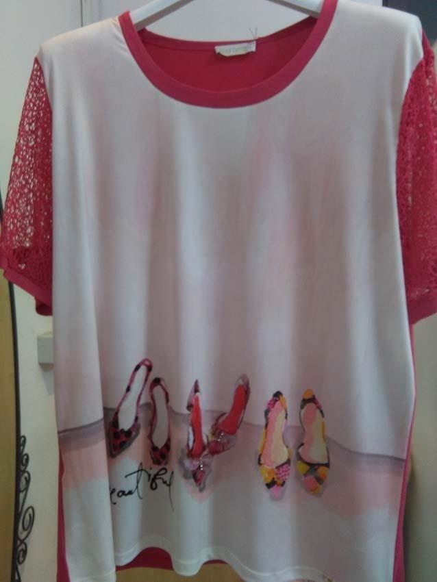 camicia rossa e bianca