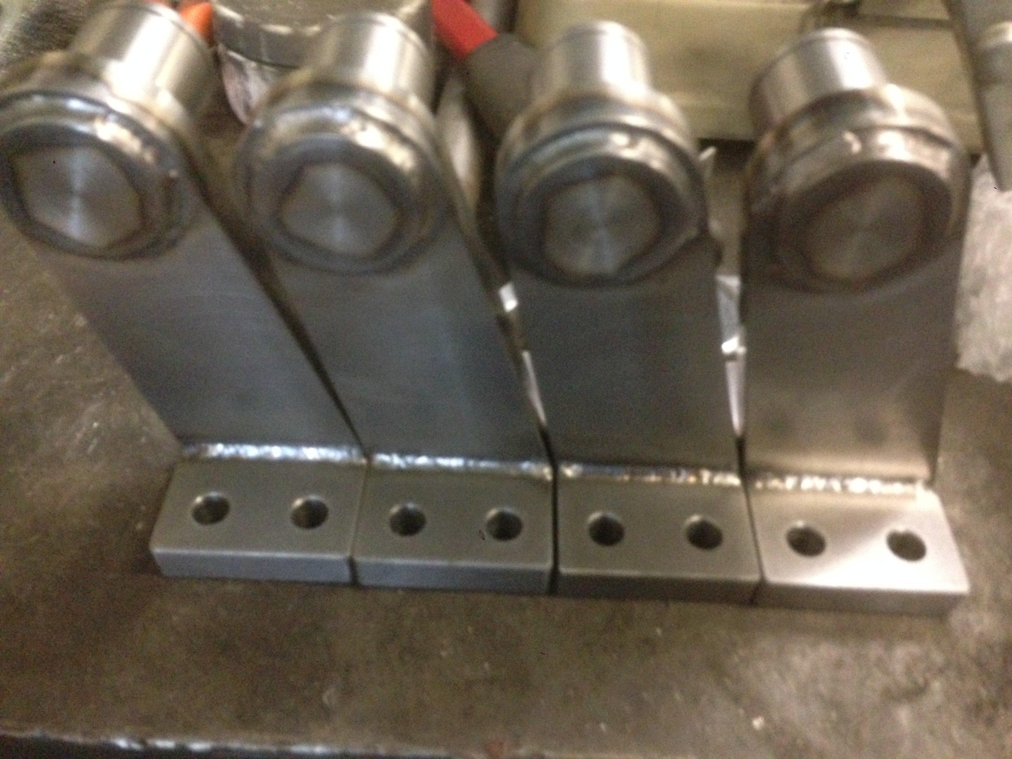 oggetti in ferro parti di una struttura meccanica