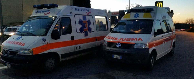 ambulanze parcheggiate
