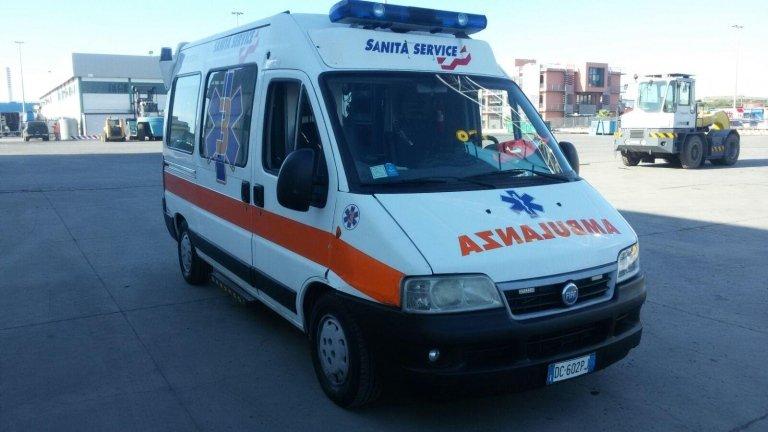 ambulanza ferma