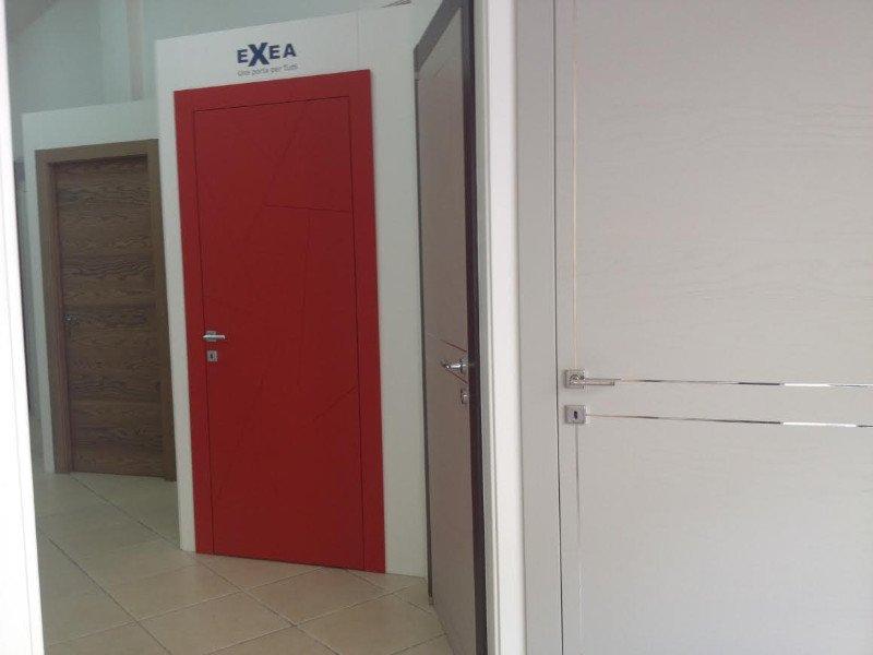 Interveniamo prontamente per qualsiasi intervento di riparazione su tutti i tipi di serramenti e infissi