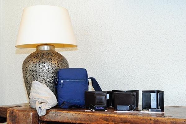 dei portafogli e borsello da uomo