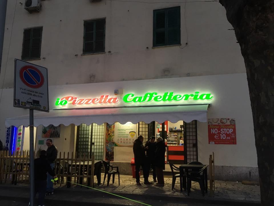 insegna illuminata la pizzetta caffetteria