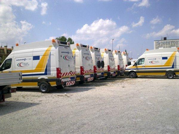 fila di camion autostrade per l`Italia