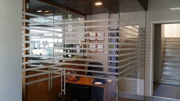 pellicole sabbiate in ufficio
