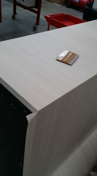 verniciatura tavolo in legno