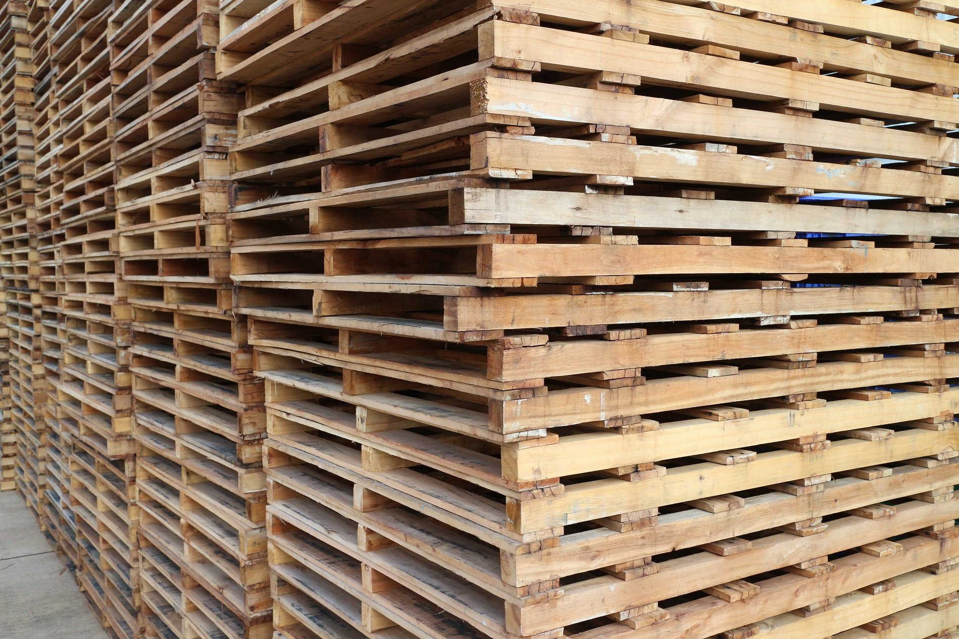 dei pallet in legno