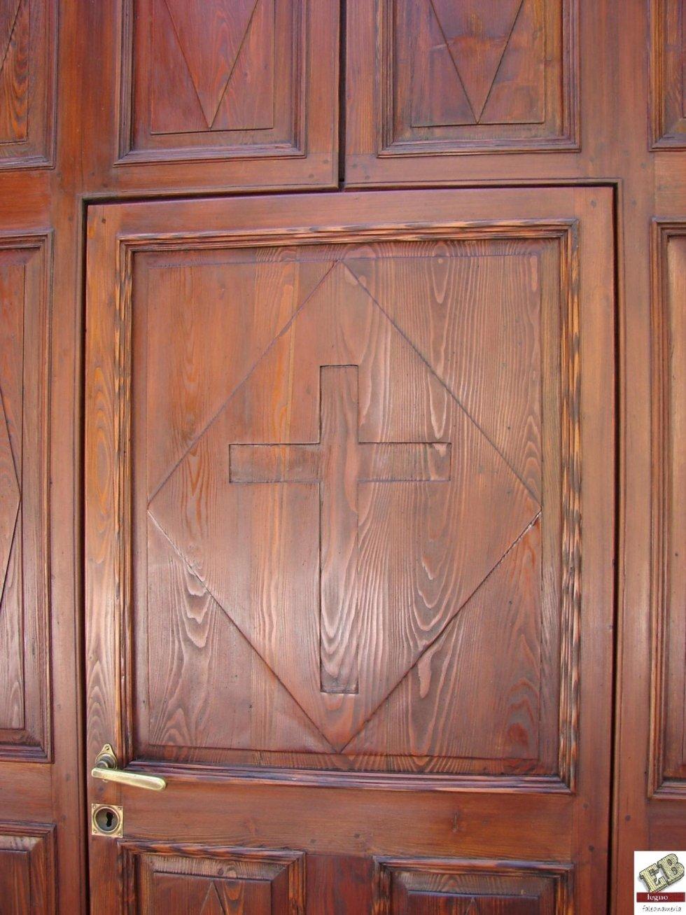 particolari restauro portone chiesa